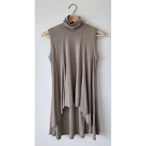 NWOT Ya Los Angeles 🌵 HiLo Sleeveless Sweater Top